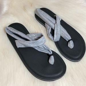 Women's Grey Black Sandals